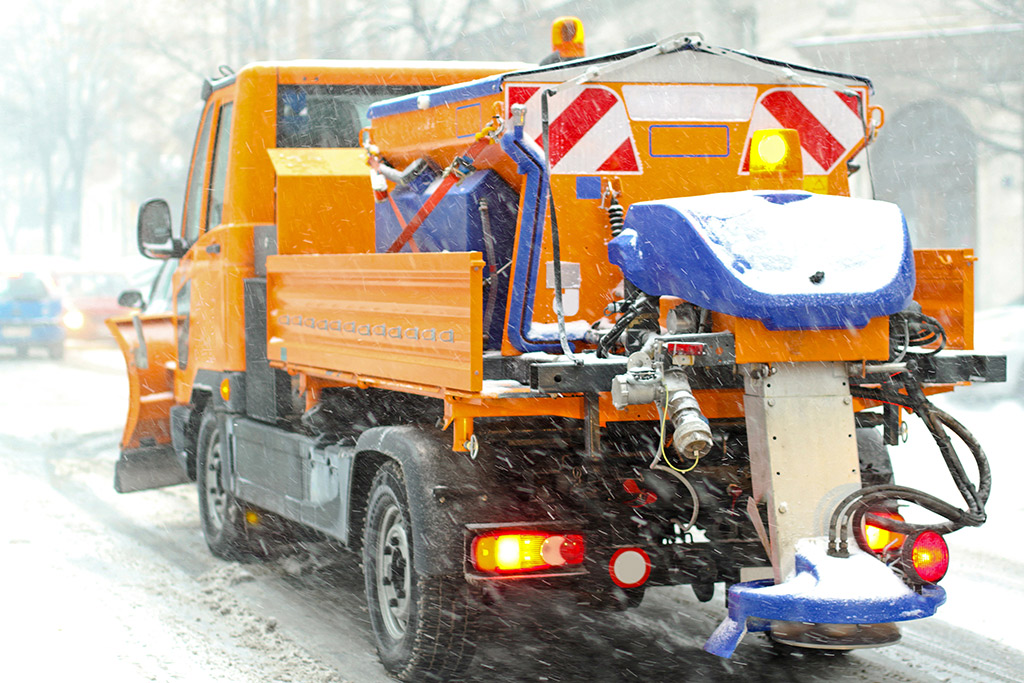 Winterdienst  Winterdienst Berlin - Snow Plowing, Snow Removal, Gritting Service ...